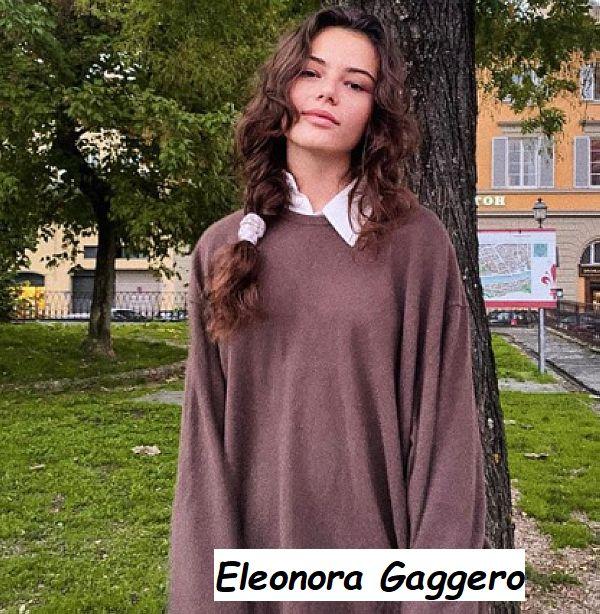 Eleonora Gaggero modella e attrice mentre indossa il suo maglione preferito