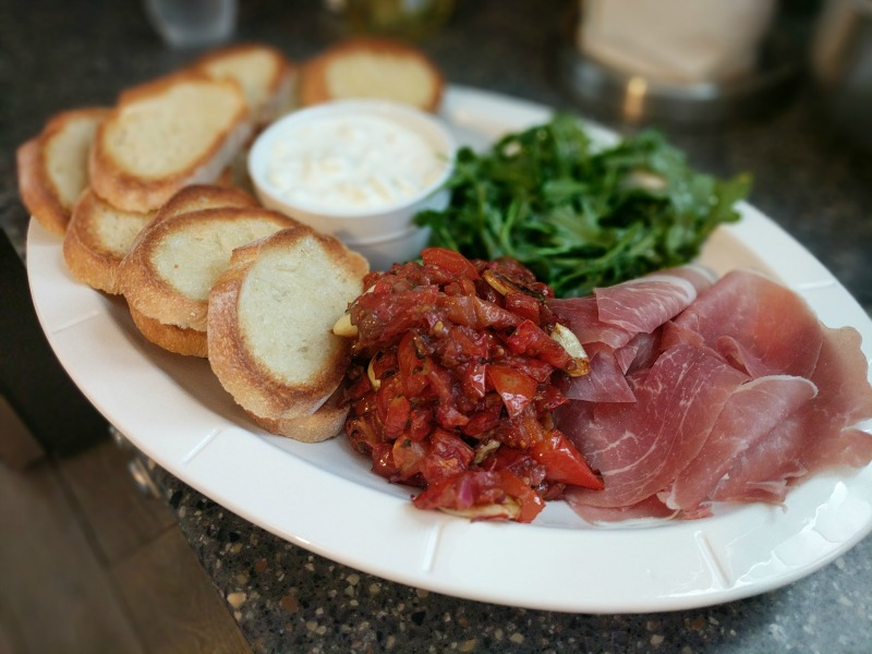 burrata cheese appetizer - Flemings style
