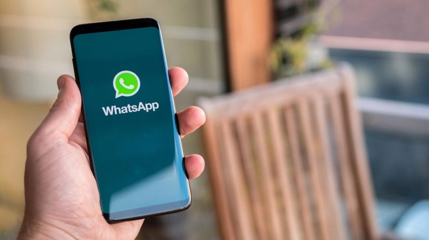 You can use special applications to recover deleted photos on WhatsApp.
