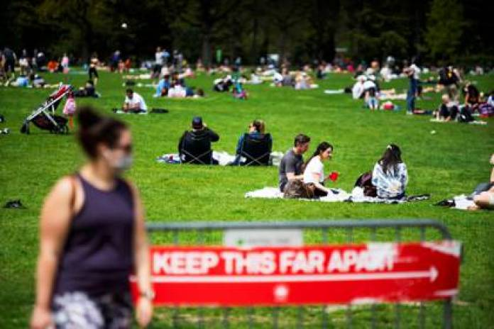 When seeing the images of the New York parks, the mayor warned that there may be a coronavirus outbreak