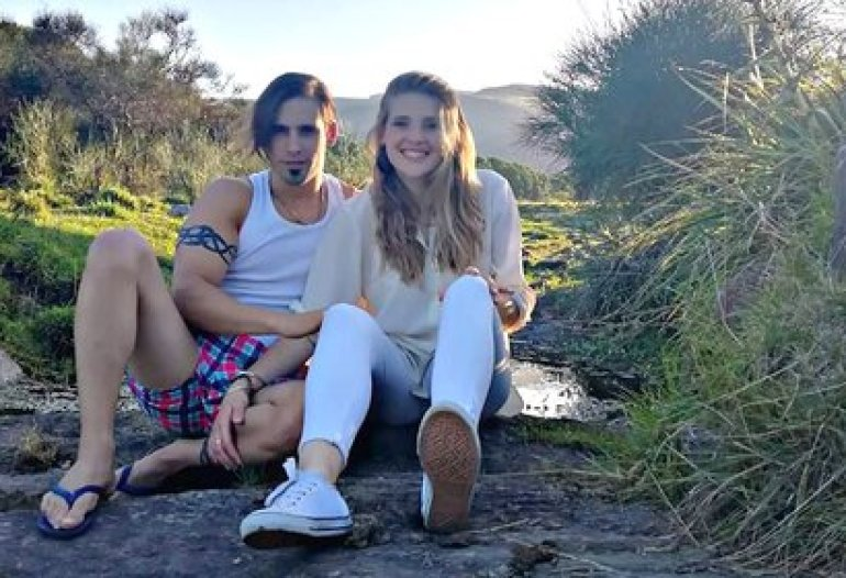 Carmen with her boyfriend, Sebastián Prats, who tried to take her to La Pampa on July 3 and they kidnapped her green card and driving record