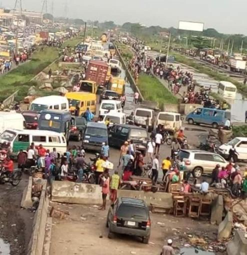 Lagos Gives Ultimatum For Removal Of Illegal Structures Along Badagry Expressway