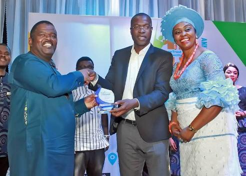 Shell Honoured For Enabling N'Delta Students To Participate In UN Model Confeences