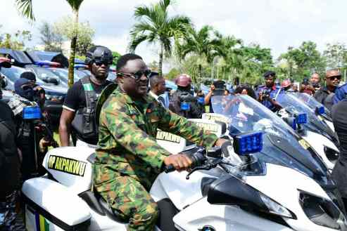 #Insecurity: Cross Rivers Gov Launches Operations Akpakwu With Over 100 Patrol Vans