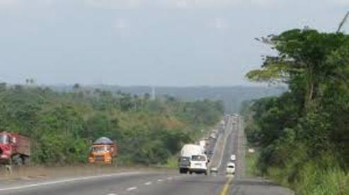 Suspected Fulani Herdsmen Attack Travelers, Kidnap Scores On Lagos/Benin Expressway