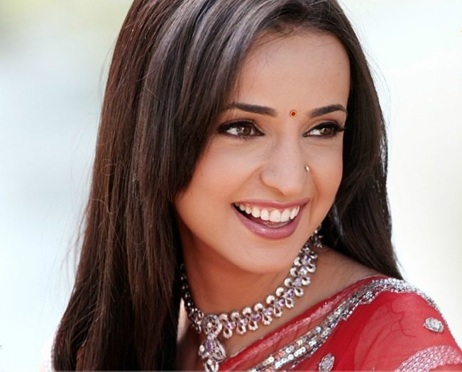 List of Popular Indian TV Serial Actress, Heroines Names of 2