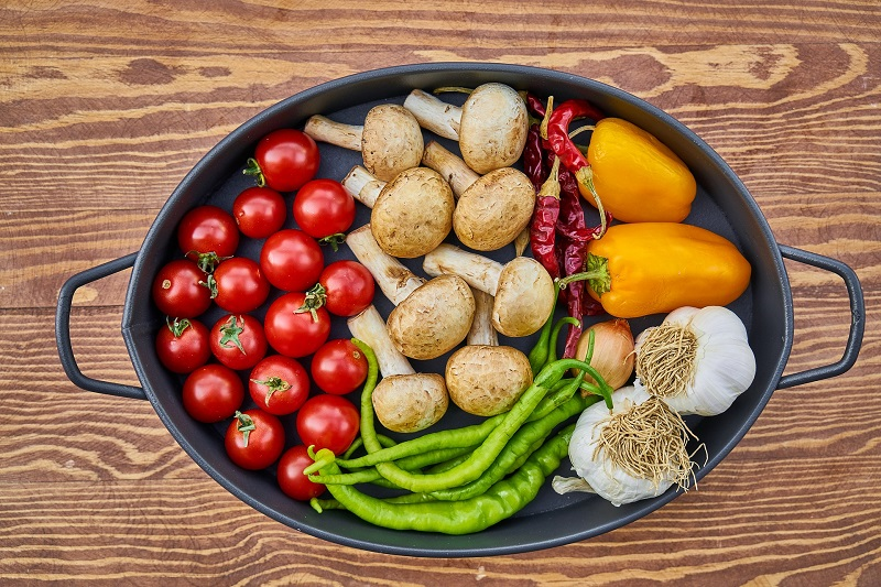 Food Tracking Journal and App Tips Overhead View of a Platter with Healthy Food on it