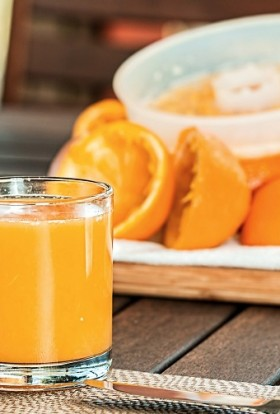 Smoothie recipes with oranges provide a boost of vitamin C and are a delicious and healthy snack or meal replacement. Orange Banana Smoothie | Orange Smoothie with Yogurt | Orange Smoothie without Banana | Orange Juice Smoothies | Smoothies with Oranges for Weight Loss | Orange Smoothie without Milk