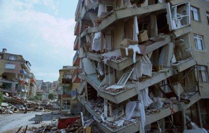 17 Ağustos 1999, 45 Saniyenin Yıktığı Yaşamlar ve O Günlerden Kalma Görüntüler…