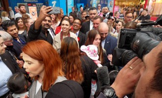 Selfie-crazy fans turn up in Hamilton to greet campaigning PM