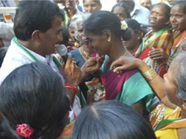 congress leader vanteru pratap reddy emotional speech in burugupally