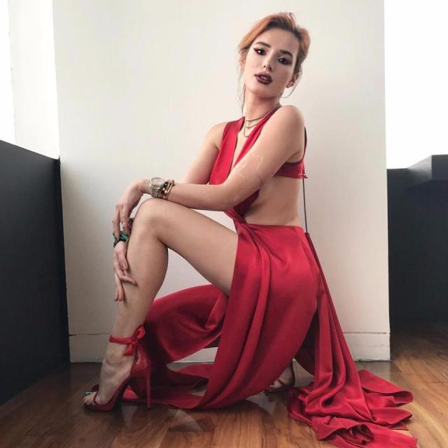 Sexy Bella Thorne 18