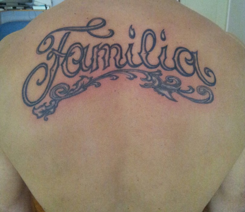 "Writing ""Familia"" Tattoo - Tatouage Ecriture ""Familia"""
