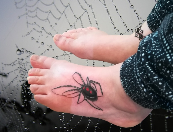 Tatouage araignee veuve noire - Black widow Spider tatoo - France (40)