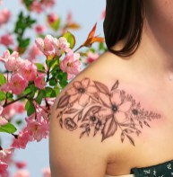 Flowers tattoo, Tatouage fleurs - France, Landes