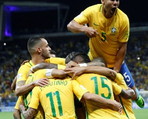 Russia 2018: Brazil qualify, Argentina crash