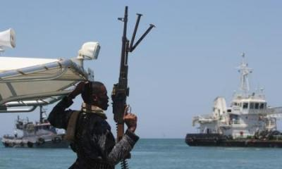 Somali pirates hijack Indian commercial ship