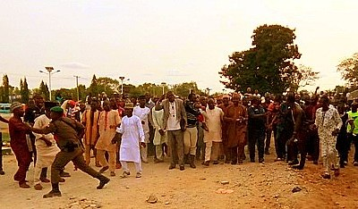 PHOTOS: Thugs, APC supporters clash in Minna, vehicles destroyed