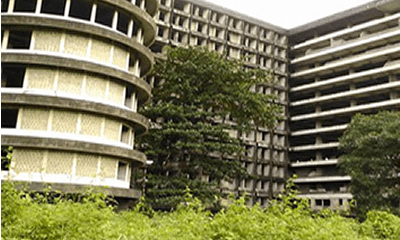 2018: Real estate negative as road construction steps up
