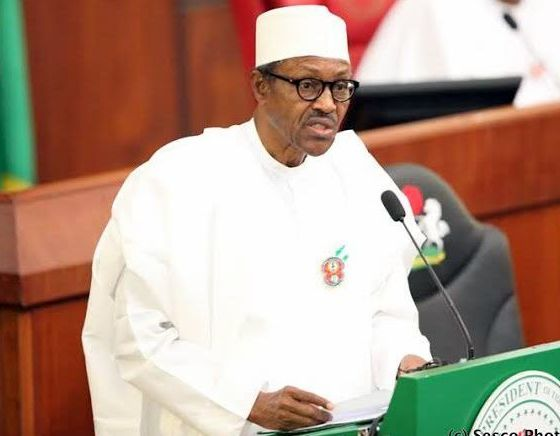 Boos, Cheers As President Buhari Presents 2019 Budget To National Assembly
