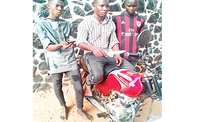 Three robbers held for snatching motorcycle with dry pepper, knife