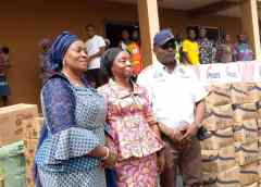 Pipeline explosion: Sanwo-Olu, Hamzatdonate items to IDPs