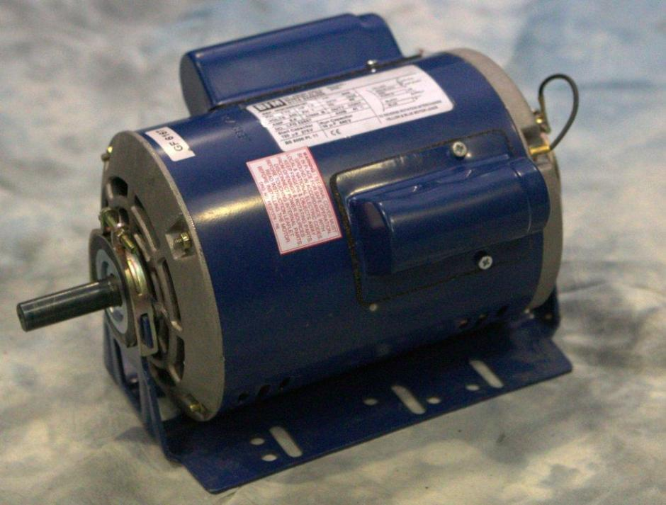 0.75kW, 1.0HP 240V Single Phase, 4-pole, Drip-Proof, Resilent Base