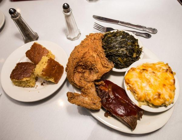 Sylvia's Restaurant, just one of Harlem's great eateries, boasts mouthwatering ribs and fried chicken. (Marcus Santos/Marcus Santos)