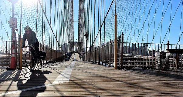 Biker_Brooklyn_Bridge_blog