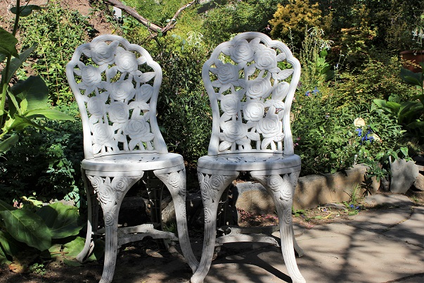 Chairs_Garden_NYC_blog