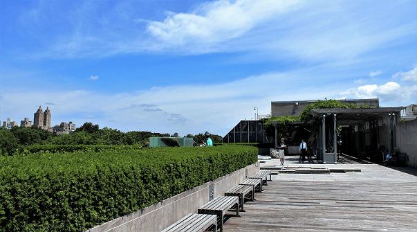 Met_Roof_Garden_benches_blogg(1)