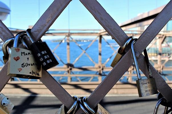 Padlocks_2_Brooklyn_Bridge_blog
