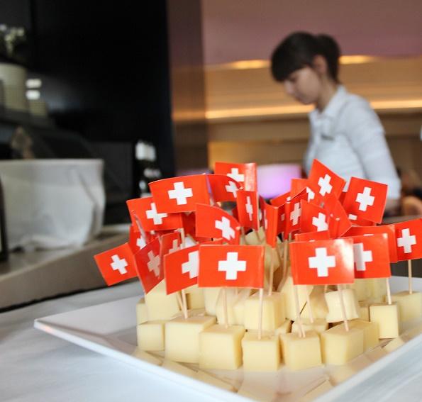Swiss_Cheese_blogg_1(1)