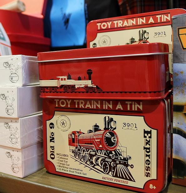 Toy_Train_Tin_blog