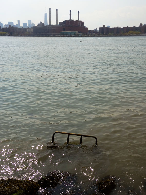 East River Picnic table nys