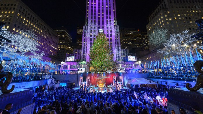 rockefeller center - christmas tree - nyc