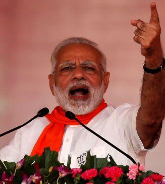 PM Modi evaluates Congress to termites
