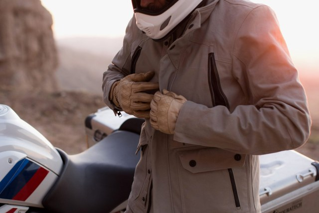 Best Motorcycle Jackets That You Should Use While Riding