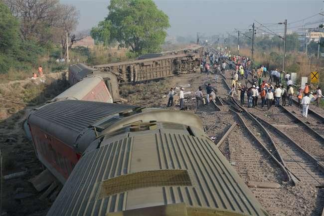 Poorva Express Derailed