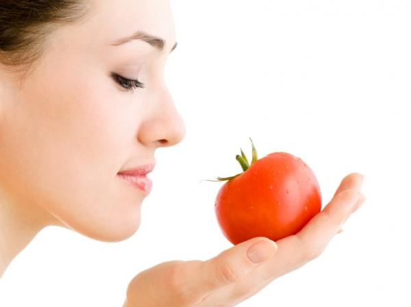 HEALTHY FOODS TO KEEP YOU HYDRATED -Tomato