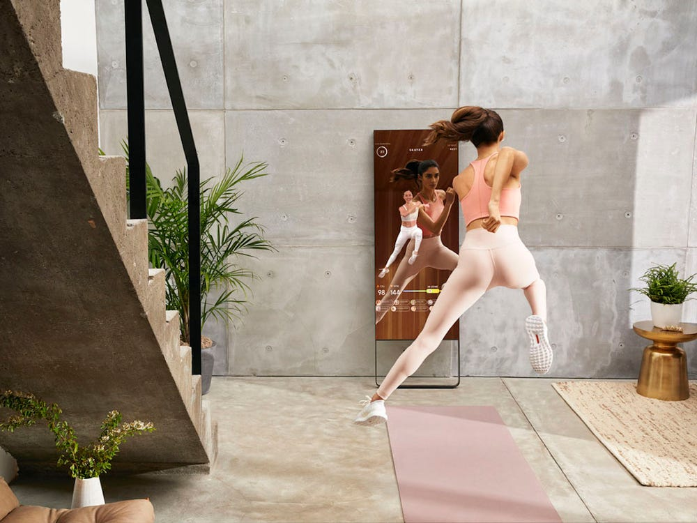 Интерактивные зеркала Lululemon X Mirror