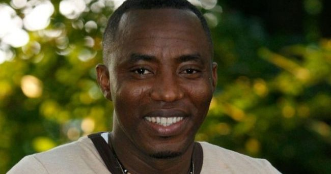 2019: Pro-Buhari Youth Engage Presidential Hopeful, Sowore In Kano