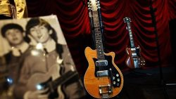 Guitar auctioned for $495,000