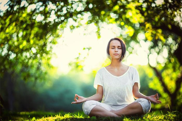Зачем современным женщинам нужна медитация