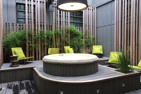 Outdoor jacuzzi at Spa