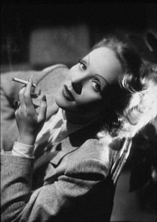 Marlene_Dietrich_(2)