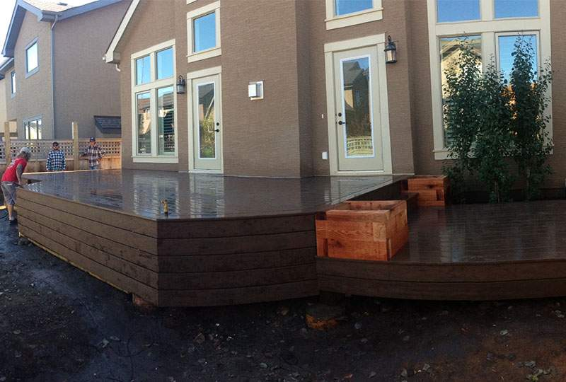 Custom Deks Calgary, Alberta from National Fence and Deck