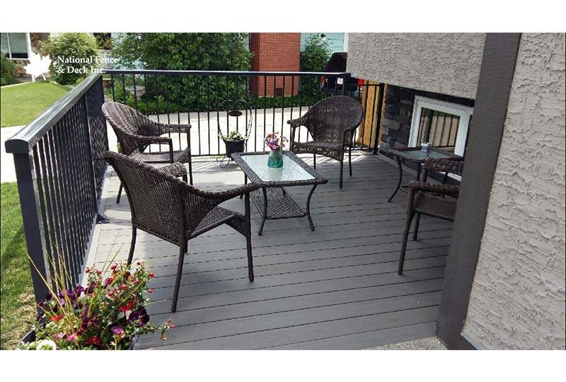 Composite Decking With Aluminum Railing