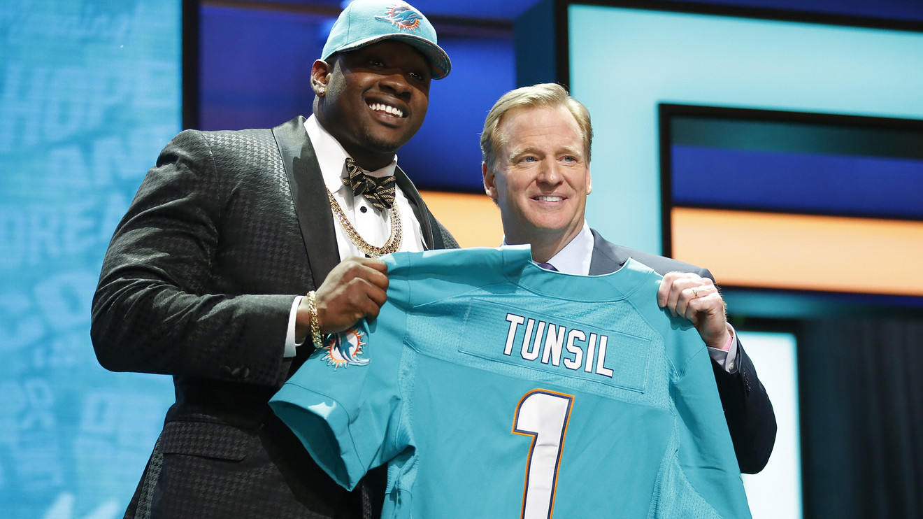 AFC East 2016 NFL Draft: A missing first round pick, a surprise slide and a controversial quarterback!