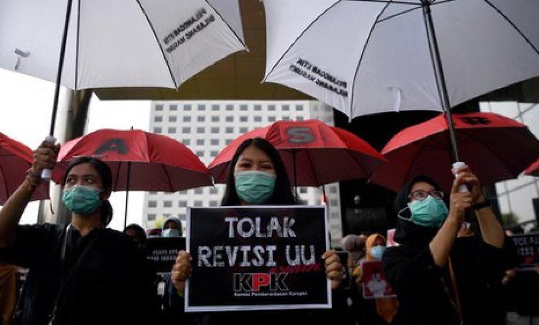 Di Balik Revisi UU KPK: Ternyata Diusulkan 5 Partai Pendukung Jokowi